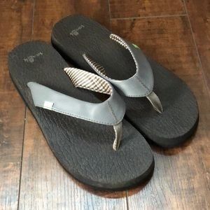 Sanuk Gray Yoga Mat Flip Flops